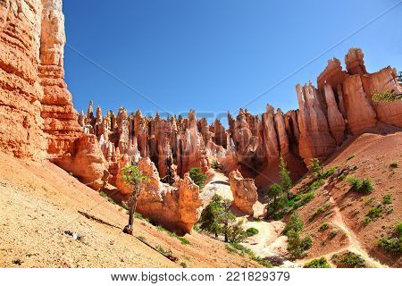Red rock hoodoos and otherworldly landscape of Bryce Canyon National Park