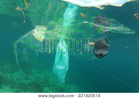 Plastic pollution environmental problem in ocean