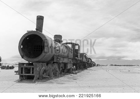 cemetery of the trains in the desert of the Andes