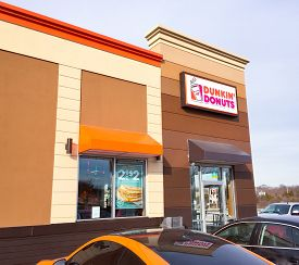 Newark, Delaware - January 3, 2018: Dunkin' Donuts storefront. Dunkin Donuts is an American company that has become one of the largest coffee and baked goods chains in the world, with more than 12,000 restaurants in 36 countries.
