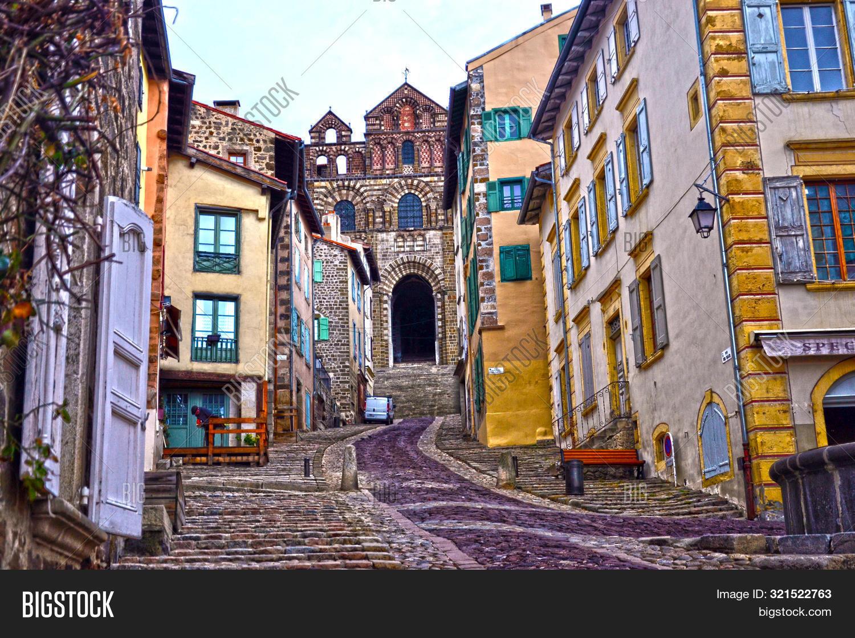 Architecte Le Puy En Velay le puy-en-velay, image & photo (free trial)   bigstock