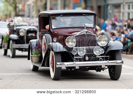 Holland, Michigan, Usa - May 11, 2019: Tulip Time Parade, A Paclerd Coupe 1932 Leading A Group Of Cl