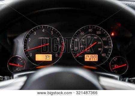 Novosibirsk, Russia - August 24, 2019:  Infiniti Fx,  Close-up Of Round Dashboard, Speedometer And T