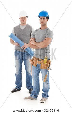 Ingenieur und Handwerker in schützende Hut, Blick in die Kamera, isoliert auf weiss, volle Größe.