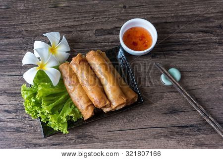 Deep Fried Spring Rolls, Por Pieer Tod Or Fried Spring Rolls (thai Spring Roll) Snacks And Snacks Th