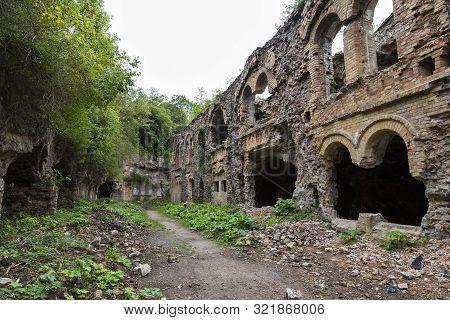 Tarakaniv ( Dubno) Ruined Fortress, Fortification. Tarakanovskiy Fort. Ukraine. Abandoned Fortress O