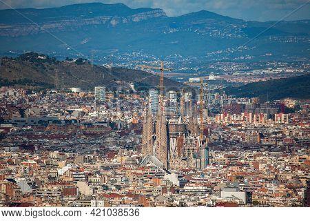 Barcelona, Spain - October 28, 2015: Panoramic Cityscape Of Barcelona (spain) With Sagrada Familia F