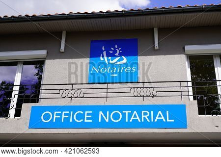 Bordeaux , Aquitaine France - 05 14 2021 : Notaire Office Notarial Label French Text Sign And Brand