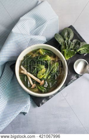 Korean Food, Spinach And Seaweed Miso Soup.