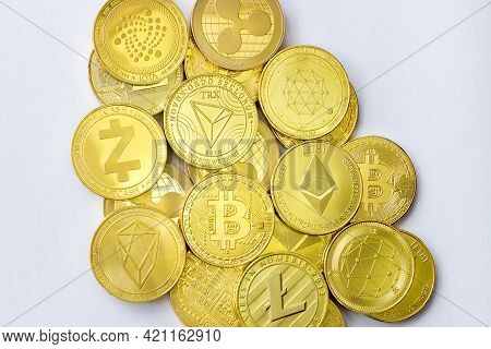 Summary Of Cryptocurrency Coins Bitcoin Litecoin Ethereum Tron Zcash Ethereum Eos Iota Ripple And Qt