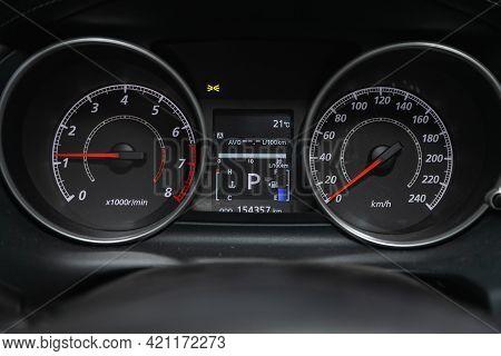 Novosibirsk, Russia - May 16, 2021: Mitsubishi Outlander, Speedometer, Tachometer And Steering Wheel