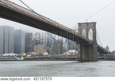 Brooklin Bridge And Manhattan In Raining Day, New York City, Usa