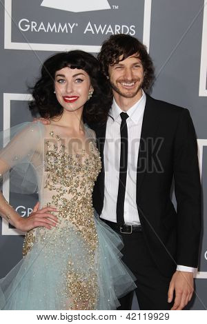 LOS ANGELES - FEB 10:  Kimbra, Gotye arrives at the 55th Annual Grammy Awards at the Staples Center on February 10, 2013 in Los Angeles, CA