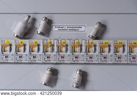 Toggle Switch And Fuse - Fi Circuit Breaker, Residual Current Circuit Breaker Fuse