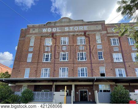 Brisbane, Australia - May 18, 2021: View Of The Dakota Woolstore Built In 1933 On The Teneriffe Subu