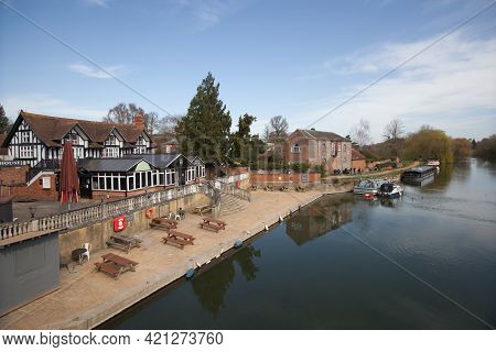 Views Of The River Thames At Wallingford, Oxfordshire In The Uk, Taken On The 31st March 2021