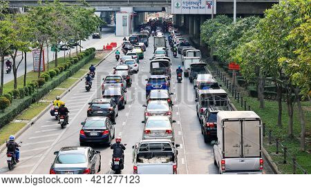 Bangkok, Thailand - March 8, 2021 : Numerous Of Cars In Traffic Jams During The Rush Hour.