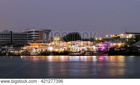 Bangkok, Thailand - March 23, 2021 Tha Maharaj A Pier Developed Into A Shopping Area, Restaurant, Ar