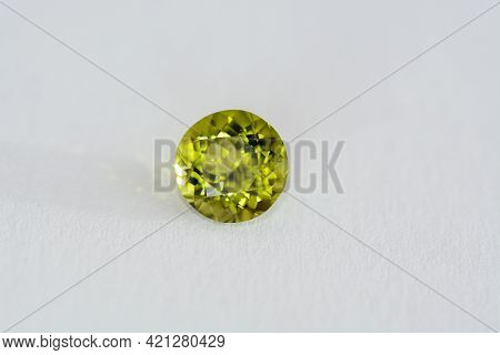 Natural Green Color Round Faceted Chrysolite Peridot Olivine Gemstone. Transparent Earth Mined Unhea