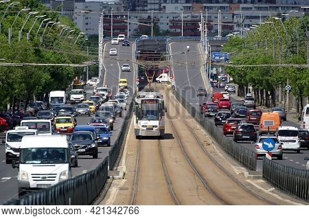 Bucharest, Romania - May 06, 2021: Heavy Traffic On A Boulevard In Bucharest.
