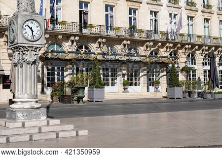 Bordeaux , Aquitaine France - 05 18 2021 : Intercontinental Bordeaux Le Grand Hotel Logo Sign And Br