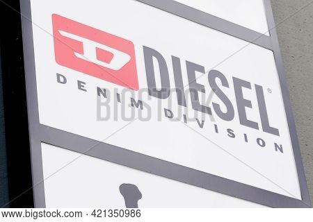 Bordeaux , Aquitaine France - 05 18 2021 : Diesel Shop Brand Logo And Text Sign On Fashion Store Fro