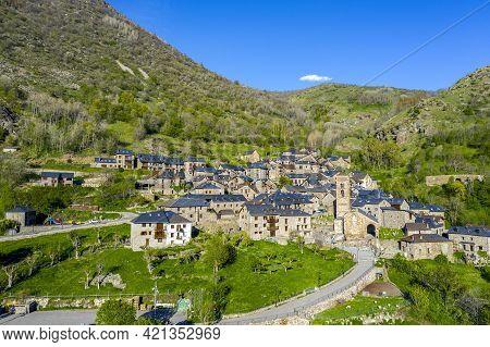Traditional Catalonian Village. Vall De Boi. Durro. Spanish Romanesque Route
