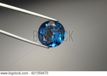 Natural London Dark Blue Color Topaz Round Faceted Gemstone. Heated, Treated, Irradiated. For Jewelr