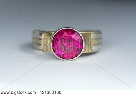 Vintage Ussr Gilded, Gold Plated 873 Silver Womens Ring With Round Lab Created Crimson Red Ruby Coru