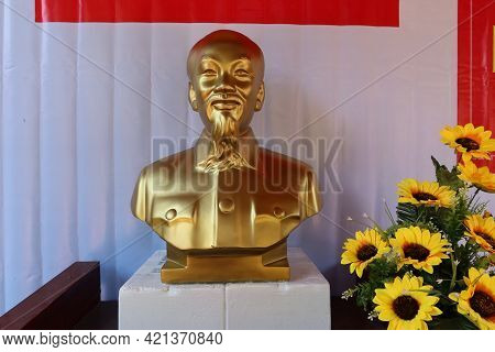 Hoi An, Vietnam, May 23, 2021: Bust Of Ho Chi Minh In The Dinh Cam Pho Temple Enabled To Vote In The
