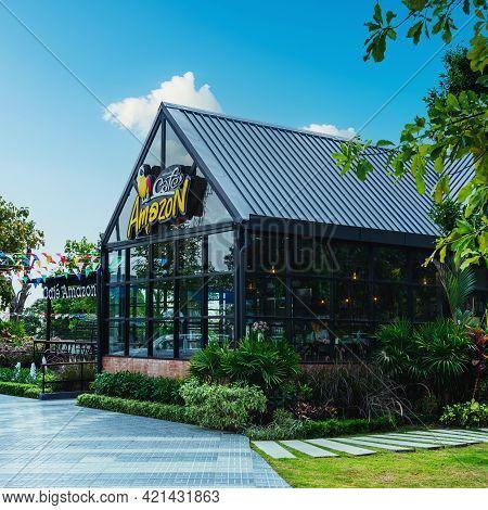 Buriram, Thailand - April 3, 2019 : Cafe Amazon Shop At Ptt Oil Station On April 3, 2019 In Buriram,