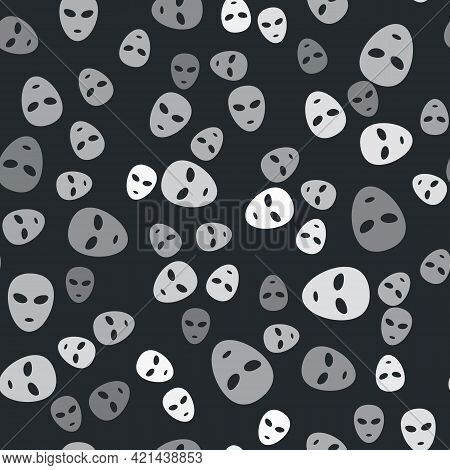 Grey Alien Icon Isolated Seamless Pattern On Black Background. Extraterrestrial Alien Face Or Head S