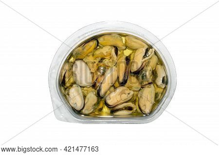Container, Packaging, Studio, Oil, Snack, Canned, Healthy, Meal, White, Isolated, Appetizer, Backgro