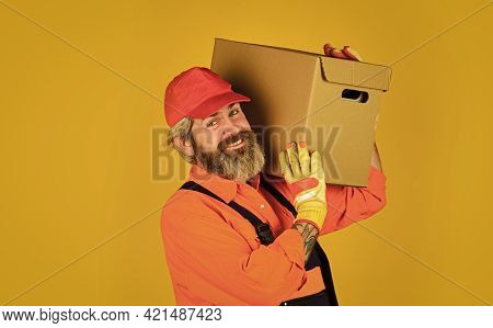 Service Delivery. Delivering Purchase. Shopping. Bachelor Day. Post Worker. Delivered To Your Destin