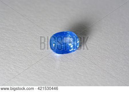 Natural Cornflower Blue Ceylon Sry-lanka Precious Sapphire. Oval Faceted, Heated Eye Clean, Clarity