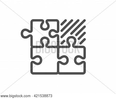 Puzzle Game Line Icon. Decide Jigsaw Sign. Business Strategy Combination Symbol. Quality Design Elem