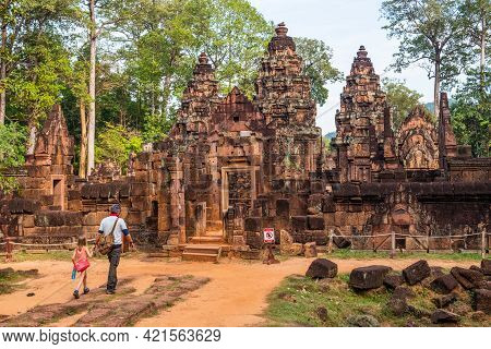 Tourist Visiting Banteay Srei Temple The Most Beautiful Pink Sandstone Temple In Siem Reap, Cambodia