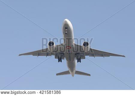 Istanbul, Turkey - February 27, 2021: Turkish Airlines Cargo Boeing 777-f (cn 66580) Landing To Ista