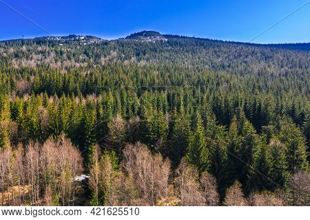 Karkonosze, Mountains Forming Part Of The Sudetes Massif. It's A Spring Sunny Day. Mountainous Terra