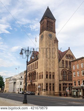 Albany, Ny - Usa - May 22, 2021: A Vertical View Of The Historic Richardsonian Romanesque Albany Cit