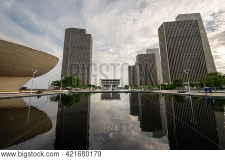 Albany, Ny - Usa - May 22, 2021: A Wide Angle Landscape View Of The Empire State Plaza Complex And R