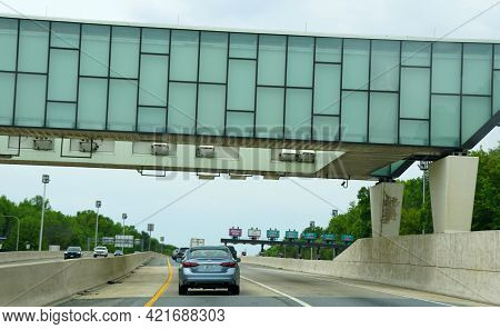 Elkton, Maryland, U.s.a - May 17, 2021 - The Ezpass Highway Toll Scanners On Interstate 95 South