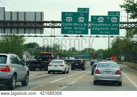 Chester, Pennsylvania, U.s.a - May 17, 2021 - Traffic Jammed On Interstate 95 South Towards Delaware