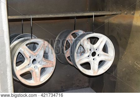 Light-alloy Car Wheels In The Chamber For Heating Before Restoration And Painting
