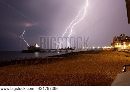 Eastbourne, Uk June 19th 2019: A Large Lightning And Thunderstorm Struck The Town, Producing In Exce