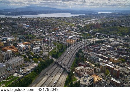 Interstate Freeway And Lake Washington In Seattle. Downtown Seattle Skyline With The Interstate 5 Fr