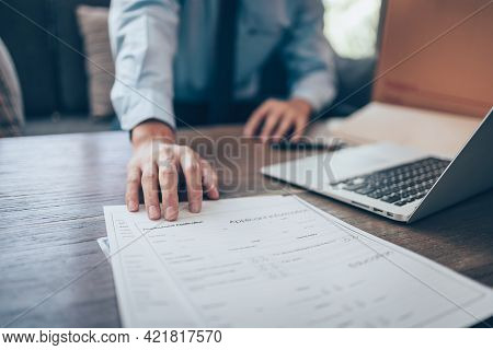 Hr Staff Submit A Job Application For New Employees To Fill Out Job Application Documents. Job Vacan