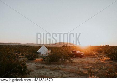 Glamping in the Californian desert