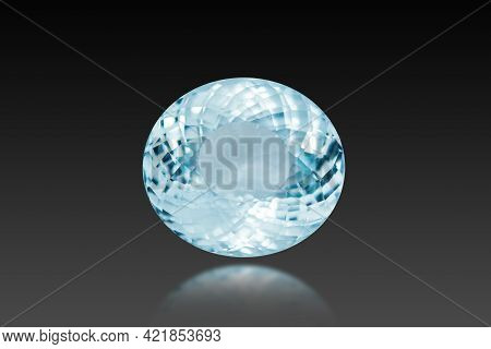 Oval Faceted Loose Aquamarine Natural Light Blue Color Gemstone Setting Used For Makin Jewelry. Fron