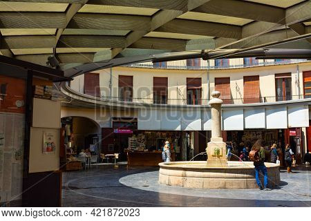 Valencia, Spain, April 17, 2021: Typical Plaza Redonda Or Round Square, In Valencia Old Town, With A